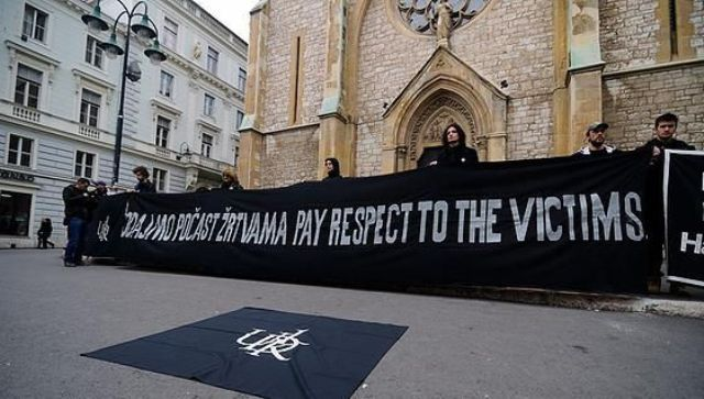 UDIK Activists in front of the Sarajevo Cathedral (Foto UDIK)